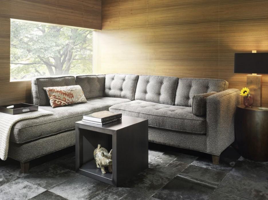 Угловой диван в небольшом зале