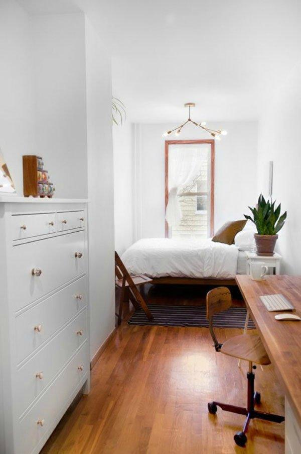 великолепная узкая спальня
