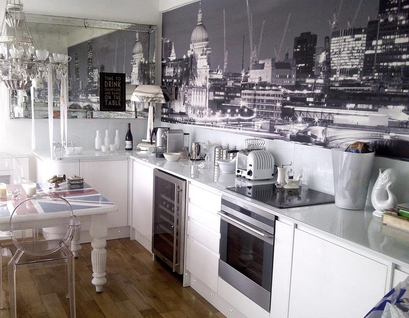 черно-белые фотообои для кухни