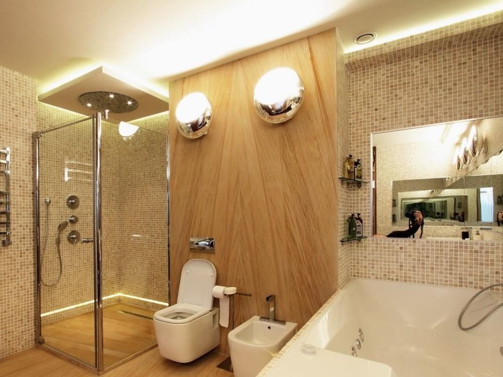 деревянная панель в ванной комнате