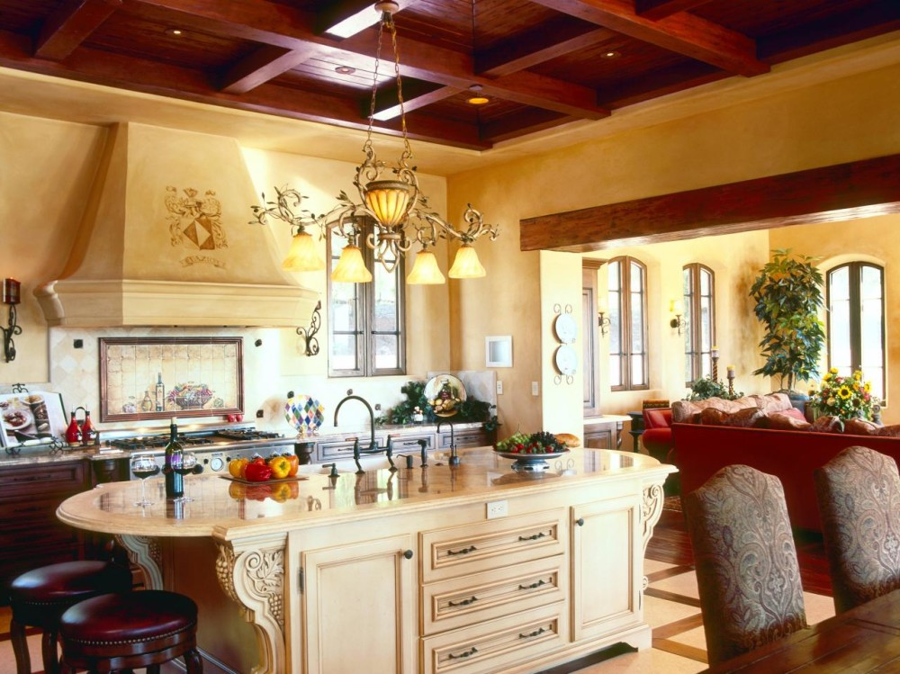 кухня в итальянском стиле с картиной