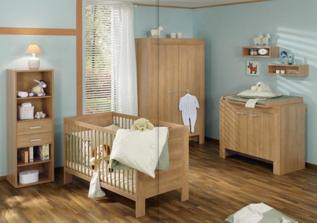 детская для мальчика с деревянной мебелью