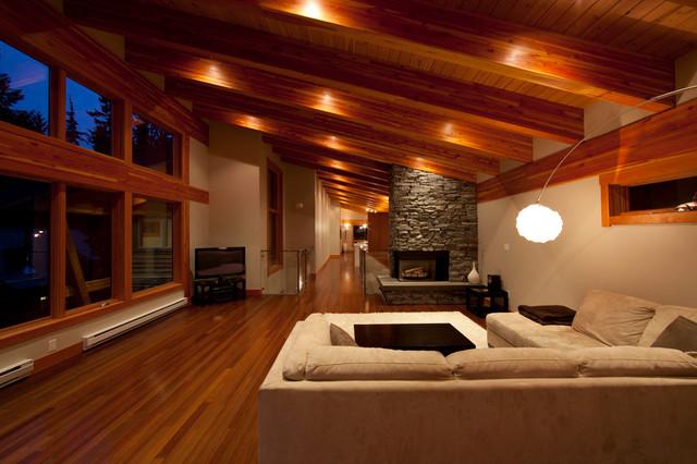Коричневая комната в стиле шале