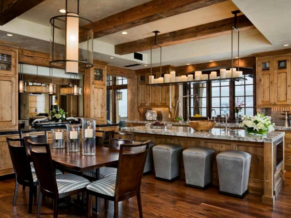 Светлая кухня в стиле шале