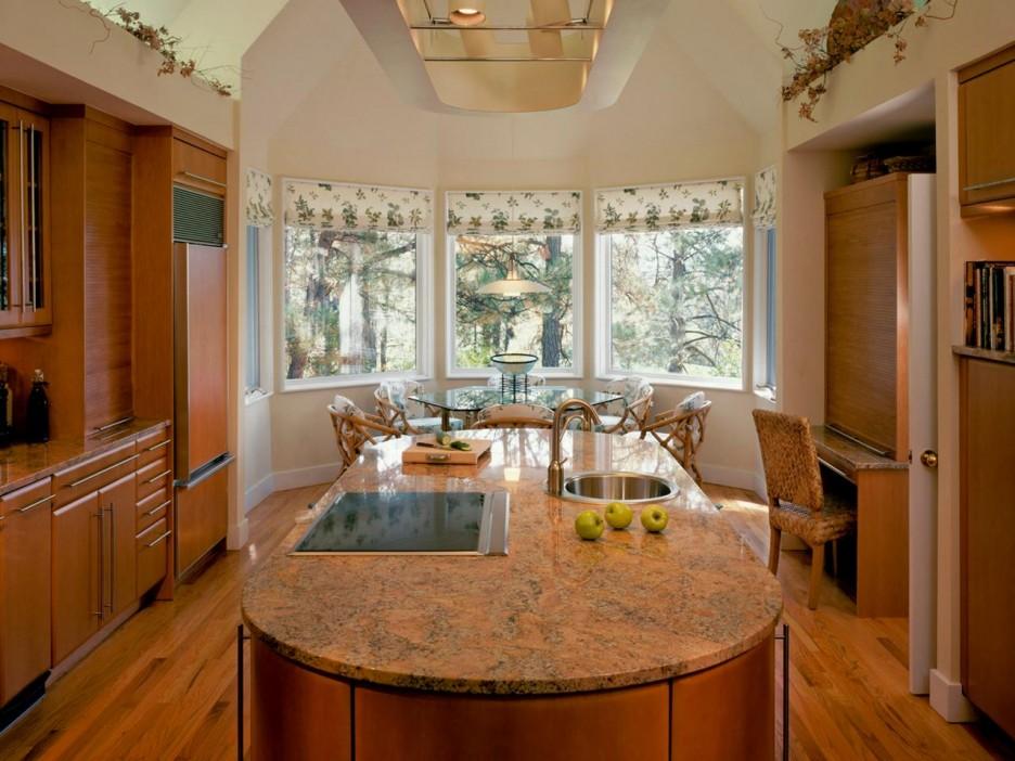 кухня с эркером в виде полукруга