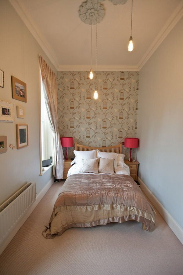 равномерно освещённая узкая спальня