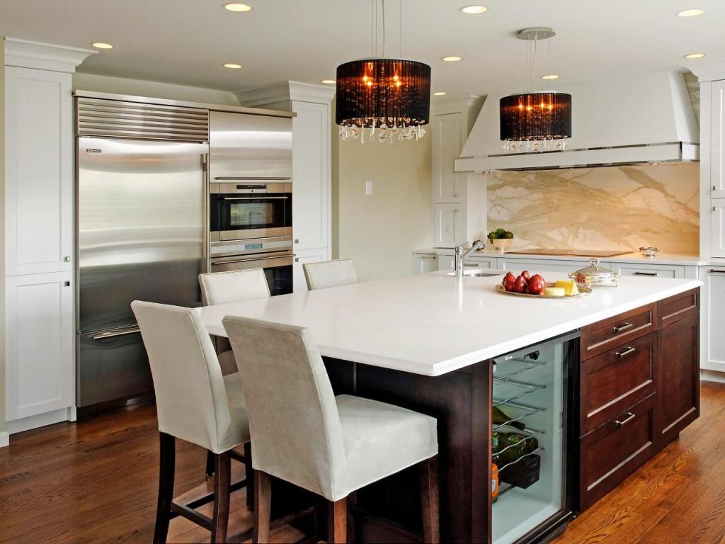 кухня-студия с кухонным островом