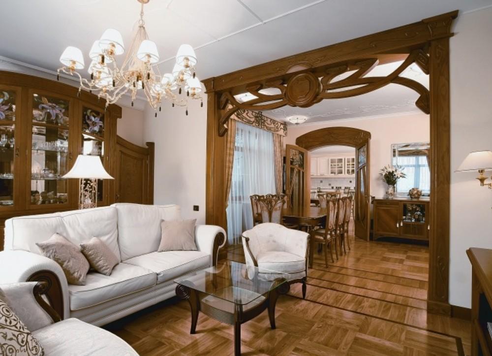 небольшая гостиная с аркой