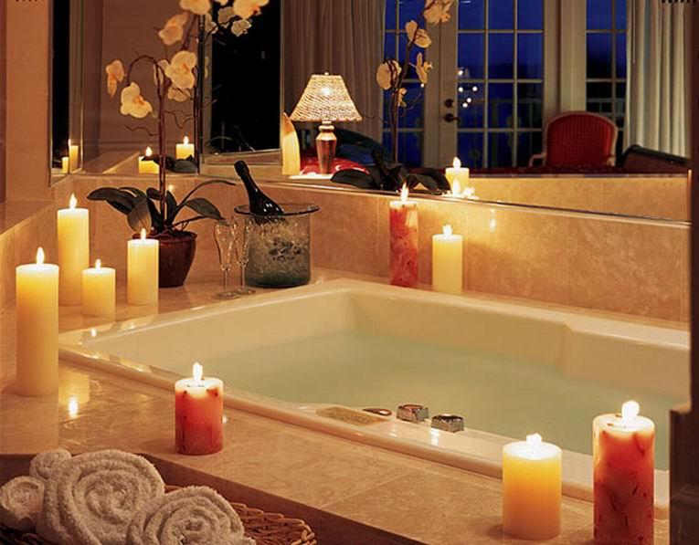ванная комната со свечами